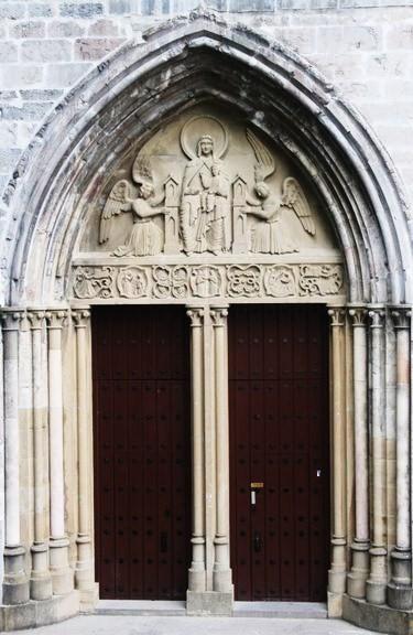 Puerta de la iglesia de la Colegiata