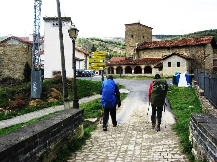 larrasoaña e iglesia