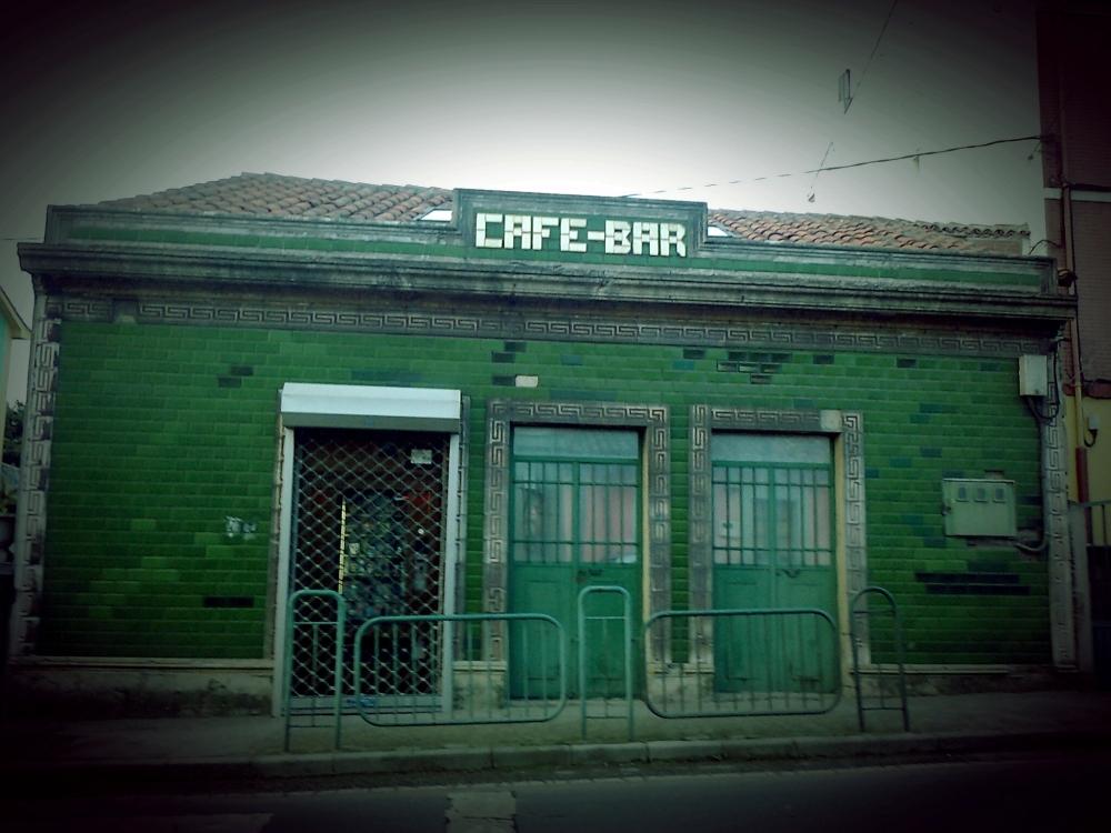 CAFÉ-BAR EN LA CARRETERA DE LUANCO-AVILÉS A LA ALTURA DE VALLINIELLO