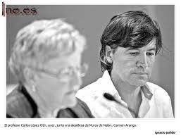 profesor Carlos López-Otín con Carmen Arango
