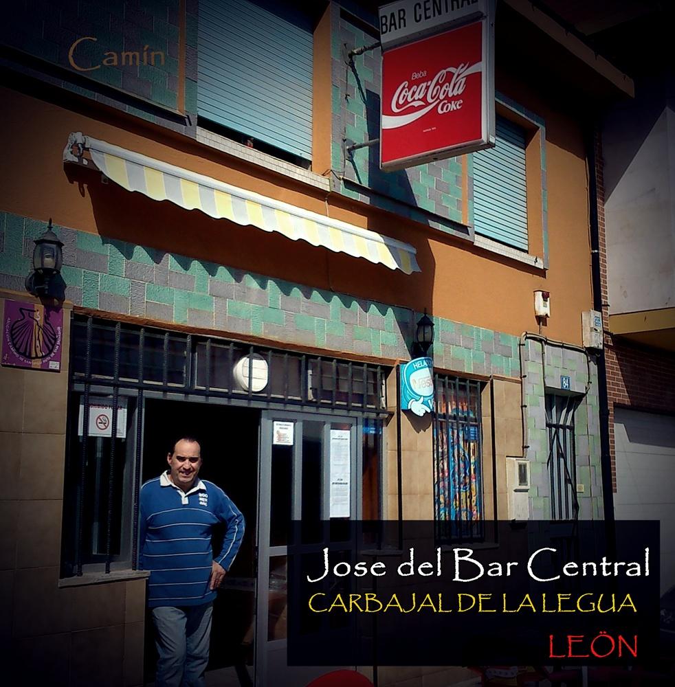 JOSE DEL BAR CENTRAL EN CARBAJAL DE LA LEGUA LEÓN