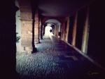 La calle portalada a la altura de Jesusín de Galiana