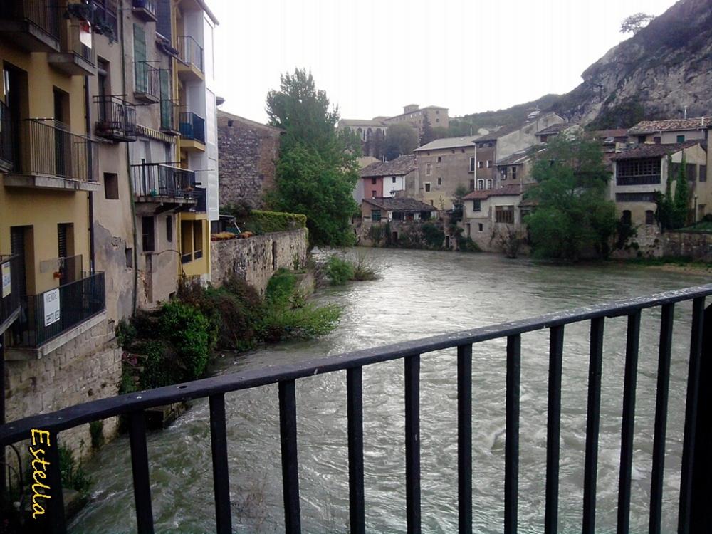 Sobre las aguas de Estella